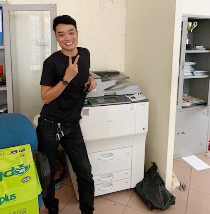 Lắp đặt máy photocopy Ricoh MP 7002 cho thuê cho khách tại Hà Nội